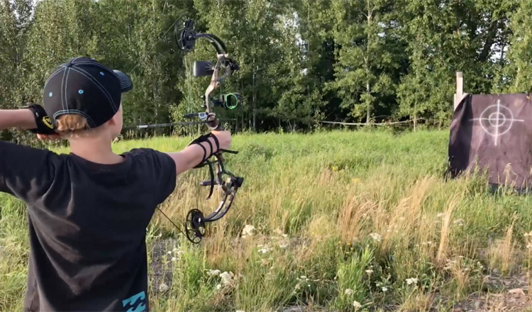 Kid Vid! Bear Cruzer Lite Compound Bow Review